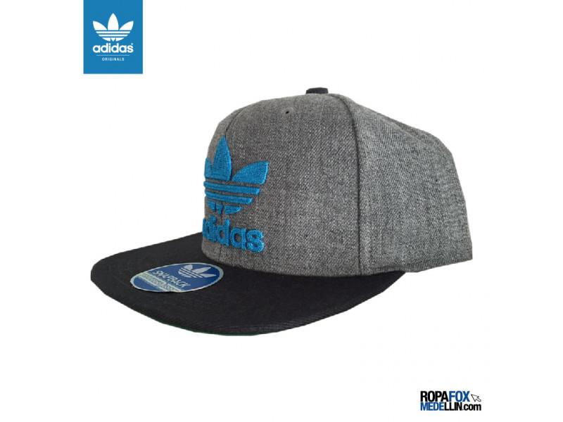 5e17d6de1d37c Imagen Gorra Adidas Originals SnapBack Trifolio Gray Gris   Gris Claro    Azul Cielo
