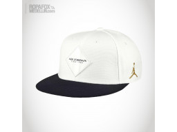 Imagen Gorra Jordan Air (Snapback Con Broche Ajustable) White/Black