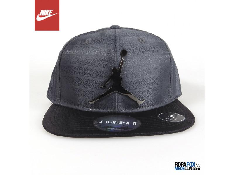 5763769037cdd Gorra Jordan by Nike Youth Kids Gris   Negro  Ref 01341