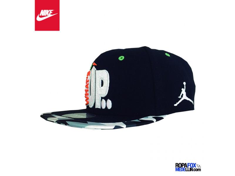 aed7f77ee4e Gorra Nike Jordan WHATS UP JOCK SNAP BACK CAP Negro   Blanco  Ref 0441
