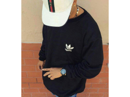 509f793d8 Buzo Adidas Negro punto corazon